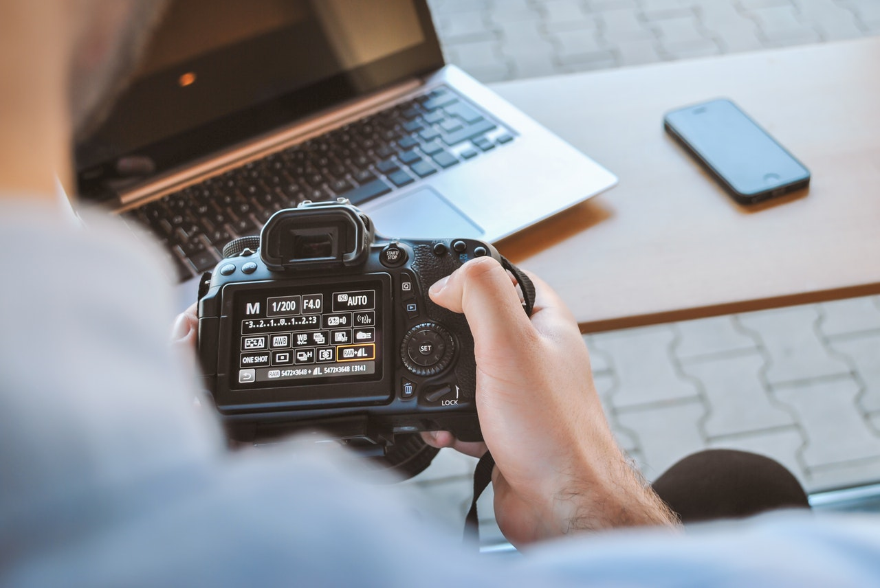 10 Simple Steps To Get Started with your Shopify Store _ Product Photography